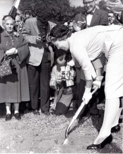 Princess Beatrix breaking ground for the Hudson Planetarium, Sept. 19, 1959